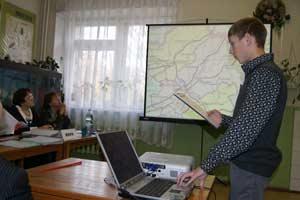 Дима Рубцов, обучающийся в СЮН города Заринска делает доклад на краевой конференции.