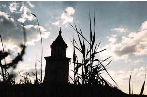 Храм во имя Илии Пророка на острове Иван Караул появился раньше нефтедобывающего кластера Фото Михаила Сердюкова