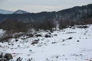 свалка отходов по дороге от Горно-Алтайска к озеру Телецкому
