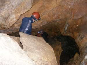 В Барьерном коридоре Прямухинской пещеры. Фото Д. Аникина.