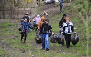конкурс «Раздельный сбор мусора во дворе дома»