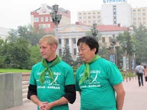 Во время экспедиции «Начни с дома своего – 2012» нашими друзьями стали Алексей Левашкевич (слева) и Александр Банзаракуаев