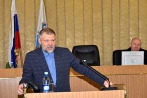 Выступление И.В. Калмыкова на парламентских слушаниях. Фото Александра Тырышкина